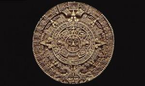 « La pierre du Soleil », les Aztèques comme les Mayas avaient une représentation cyclique du temps. Le 21 décembre 2012 est la fin d'un cycle selon le Calendrier maya, annonciateur de la fin du monde pour certains